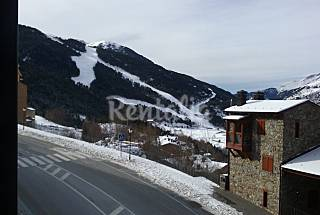 22 Duplex apartments with beautiful views in Soldeu