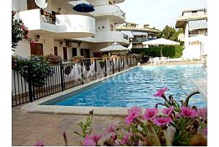 Lovely Holiday apartment with pool and beach. Messina