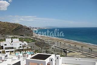 Lujoso apartamento con vistas excepcionales mar Almería