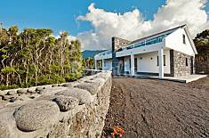 House for 4 people in São Roque do Pico Pico Island