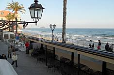 Apartment with 2 bedrooms on the beach front line Savona