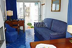 Apartment for 4 people on the beach front line Naples