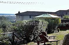 Porzione di rustico con piscina. Lucca