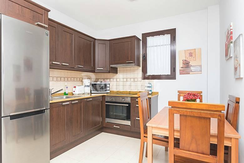 Villa de 3 habitaciones a 900 m de la playa playa blanca for Muebles yaiza