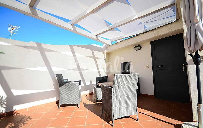 Appartement voor 4 5 personen op 200 meter van het strand polignano a mare bari for Terras strijkijzer