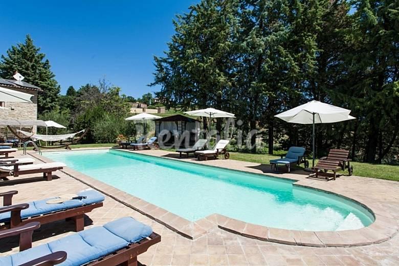 villa con piscina senza cloro fra perugia gubbio