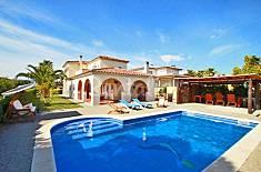Villa en location à 1500 m de la plage Gérone