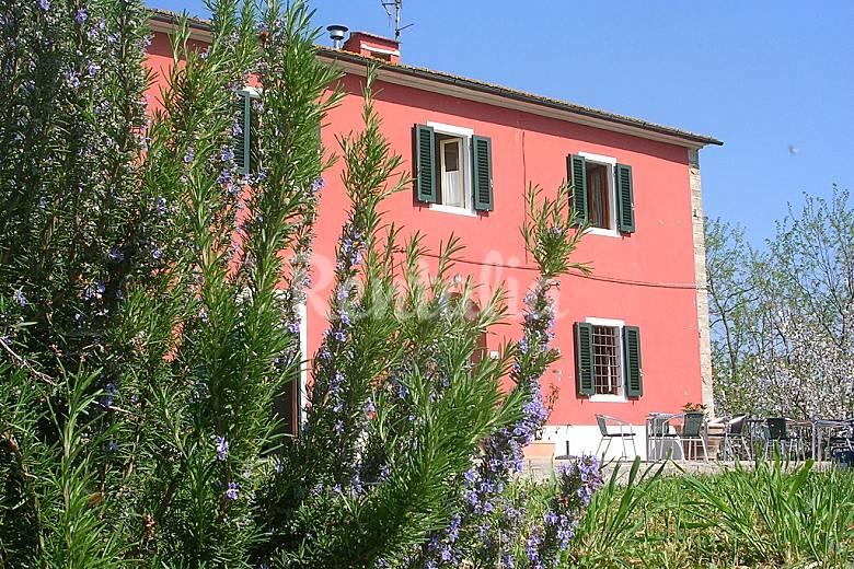 La casa di marcello villa in affitto toscana vinci for Case in affitto arredate