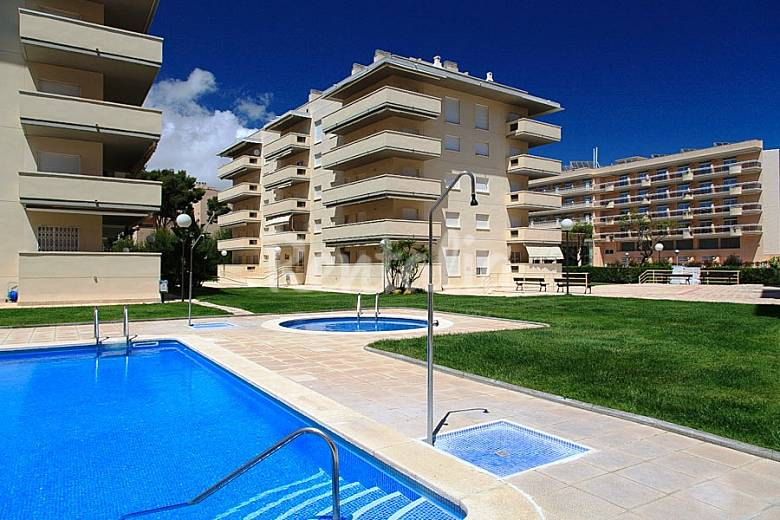 amplio apartamento con dos terrazas la pineda la