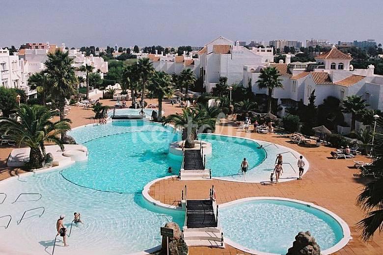 Apartamentos roquetas de mar con piscina roquetas de mar for Piscinas almeria