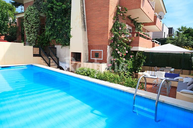Fant stico chalet en salou con piscina privada salou for Hoteles en salou con piscina
