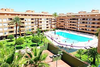 Apartamento 2 dormitorios en urb. Puerto Romano Alicante