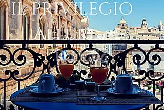 Casa Il Privilegio con Affaccio in Piazza a Ostuni Brindisi