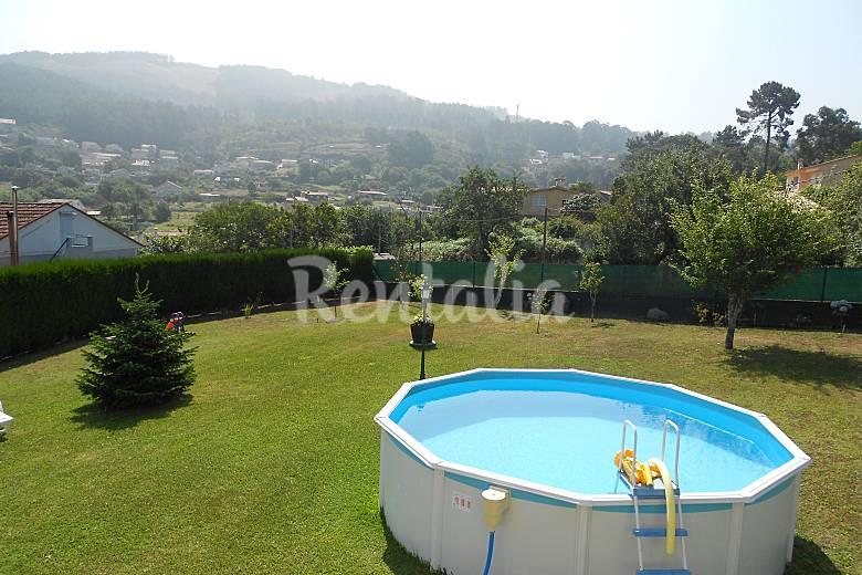Casa con piscina y 1200m de parcela saians vigo for Casas con piscina en galicia