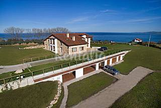 9 Apartments with 12 bedrooms only 400 meters from the beach Cantabria