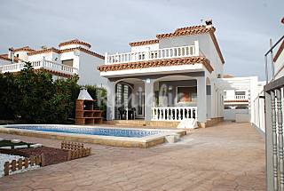 luxury villa, july offer !!! Tarragona