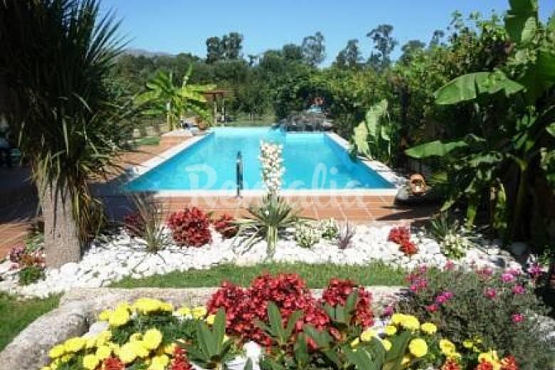 Casa en el campo con aire acondicionado ponte de lima for Casas de campo con jardin y piscina
