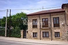 Casa rustica en soria capital con jardin Soria