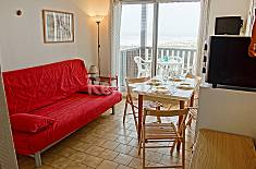 Apartment for 4 people on the beach front line Gironde