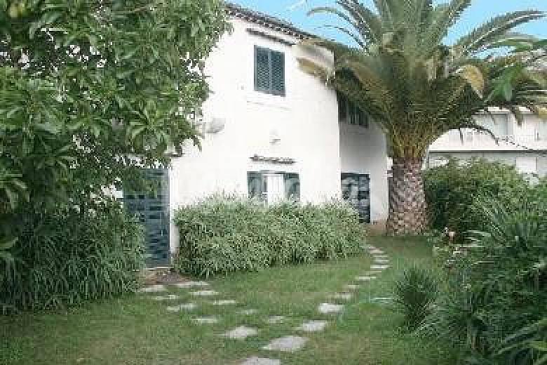 terraco jardins clinica:Casa Anitga moderna c/jardim e terraço perto Lisboa e Praia – Linda-a