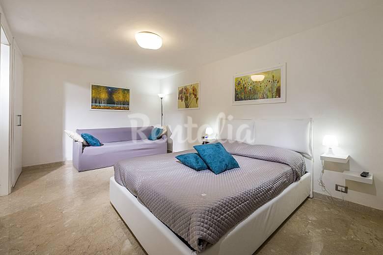 Cedro bright  apartment  located in the centre Trapani