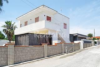 Appartamento Doris  a 200 m dalla spiaggia Taranto