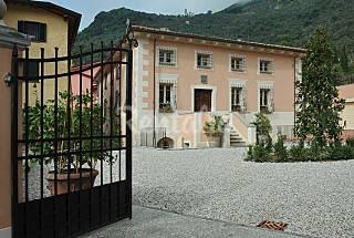 Villa con 6 stanze a 7 km dalla spiaggia Lucca