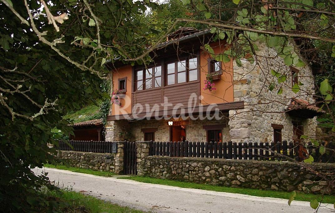 Casa en alquiler con jardín privado Asturias