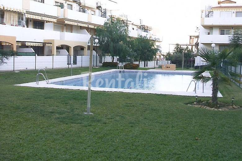 Al lado de la playa 2 hab con piscina torre de for Piscina publica malaga