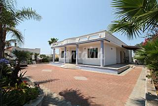 Low cost seaside holiday home Lecce