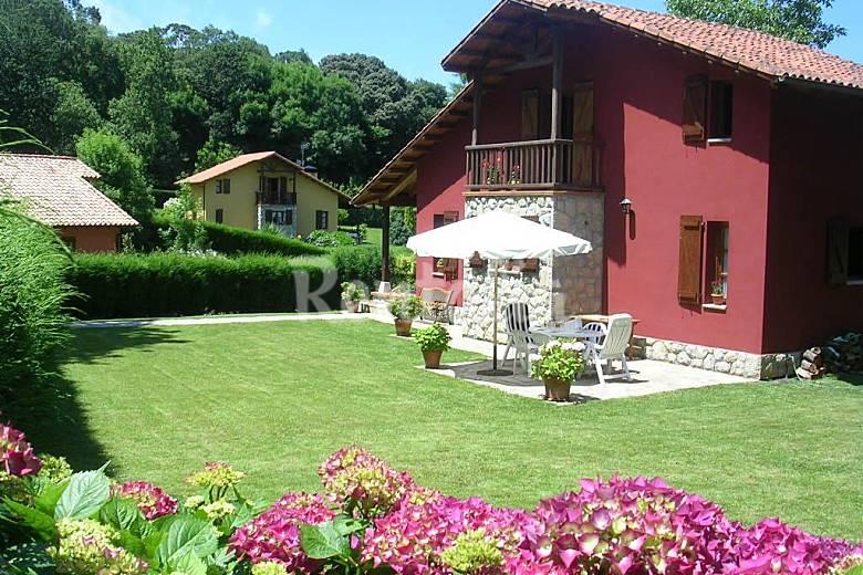 Casa de 3 habitaciones a 2 5 km de la playa quintana for Llanes habitaciones