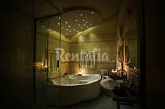 Charming Bonfigli luxury romantic apartment  Perugia