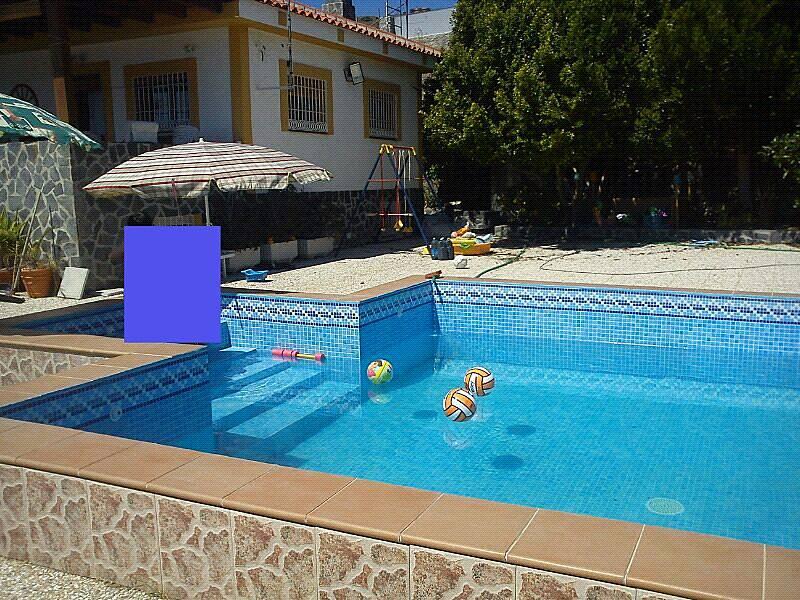 Hermoso cortijo con vista al mar y piscina salobre a for Piscina publica alhendin granada