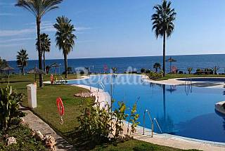 12 apartamentos primera linea de playa en Mi Capricho Málaga