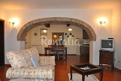 Appartamento con piscina  Viterbo