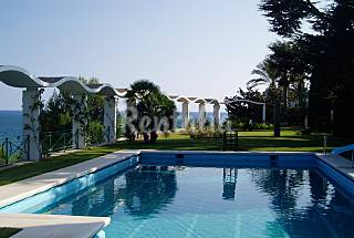 Luxury villa with garden, private pool & sea view Barcelona