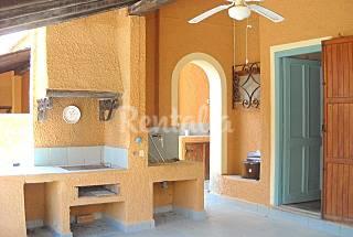 Casa con 3 stanze in prima linea di spiaggia Latina