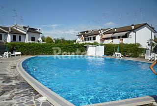 Apartamento para 4-6 personas a 1000 m de la playa Ferrara