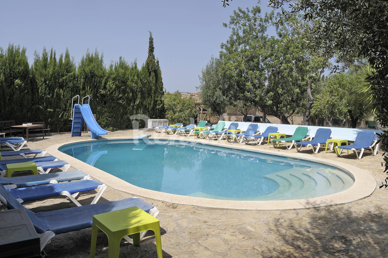 Finca con piscina cerca de palma para 20 personas palma for Piscina palma de mallorca