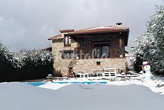 Preciosa chalet con piscina en Segovia  Segovia