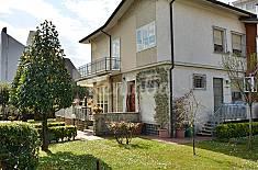 Elegante Villa bifamiliare a 200 metri dal mare. Lucca