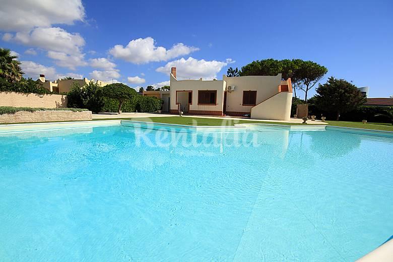 Villa in affitto in prima linea di spiaggia avola - Agriturismo avola con piscina ...