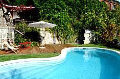Bonita casa de férias junto ao rio, com piscina  Viseu
