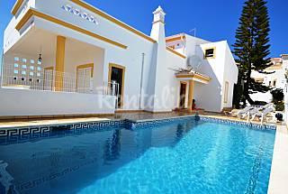 Unique 4 bed room villa Free WIFi + Snooker table Algarve-Faro