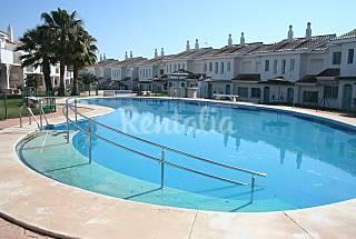 Chalet pareado,3 dormitorios,piscina,cerca playa Huelva