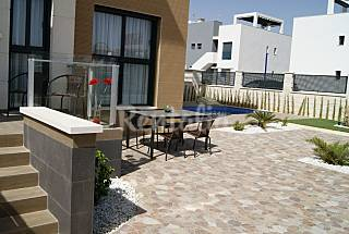 House with 2 bedrooms only 700 meters from the beach Alicante