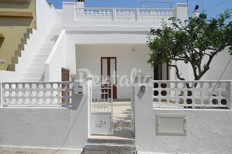 Apartamento para 4 6 personas a 3 km de la playa for Distribucion apartamento 50 m2
