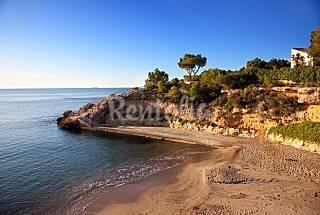 Casa en el pueblo a 2 m de la playa Y club nautico Tarragona