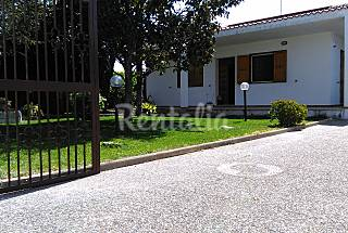 Villa with 3 bedrooms only 1000 meters from the beach Lecce