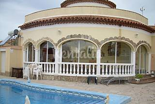 Villa with 4 bedrooms only 250 meters from the beach Tarragona